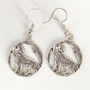 NEW Wolf Howling at Moon Earrings Silver Circle